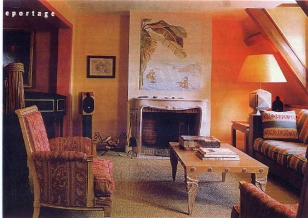 Fresque sur fond de marmorino jaune Icles